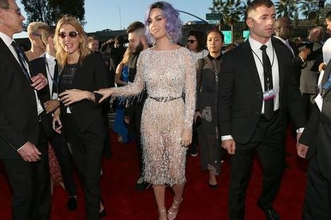 Katy Perry has to have acupuncture twice a week for knee pain | Acupuncture and celebrity endorsement | Scoop.it