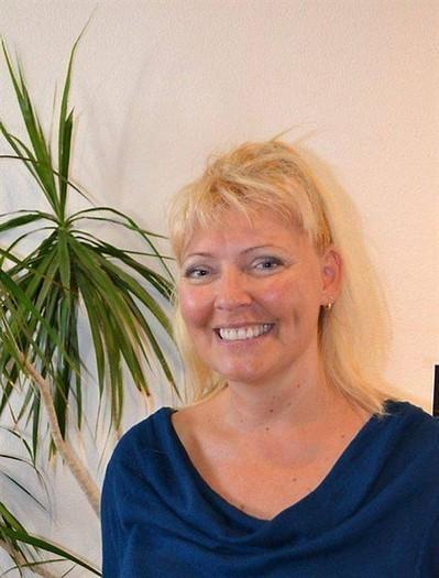 Isabelle Gillet publie son troisième ouvrage , Orgères 12/10/2013 - ouest-france.fr | FENG SHUI pour professionnels avec SERENITE HABITAT | Scoop.it