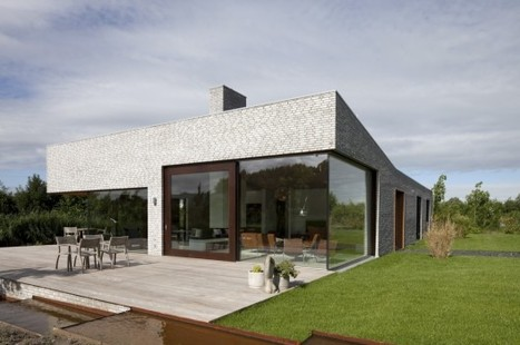 Villa Frenay / 70F architecture | ArchDaily | Container Architecture | Scoop.it
