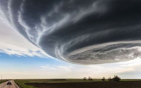 Tornado for the Top Prize of This Year's National Geographic Traveler Photo Contest | Language travel at its best | Scoop.it