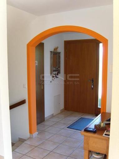 Immobilier à Fribourg • Le détourage orangé de l'arche donne un caractère...   Immobilier Fribourg   Scoop.it