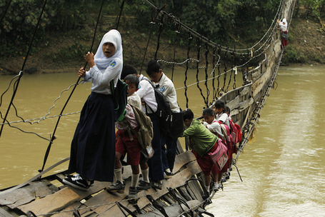 10 of the Most Dangerous Journeys to Schools Around the World | Leadership Think Tank | Scoop.it