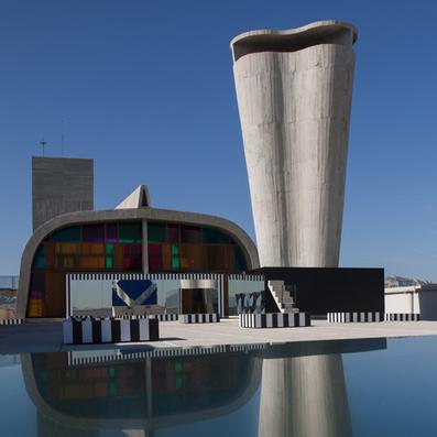 Mirrors, Color + Architecture: Daniel Buren installation on Le Corbusier's Cité Radieuse rooftop | PROYECTO ESPACIOS | Scoop.it