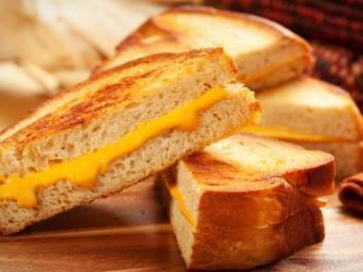 April, National Grilled Cheese Month, Brings New Recipes - PerishableNews (press release) | Fabulous Chefs, And The Last Word in Today's Cuisine | Scoop.it