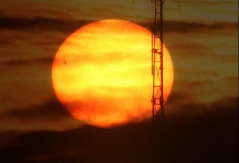 Giant sunspot group 1520 turning toward Earth | The Leading E-IFI ... | Gaea Matrix | Scoop.it