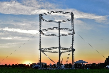 The world's largest 3D printer towers 40 feet, will print clay houses | Futurewaves | Scoop.it