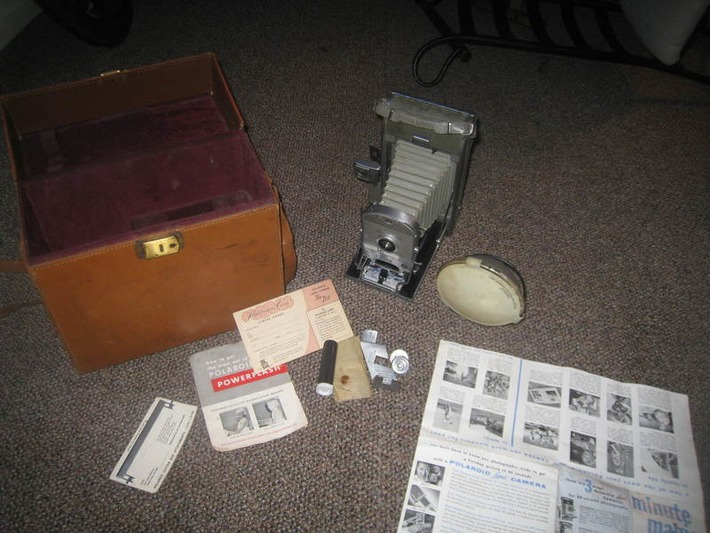 Vintage Scarce Polaroid Land Camera The 700 1955-1957 Gray Leather+ leather box! RARE GIN SHIPS FREE | Antiques & Vintage Collectibles | Scoop.it