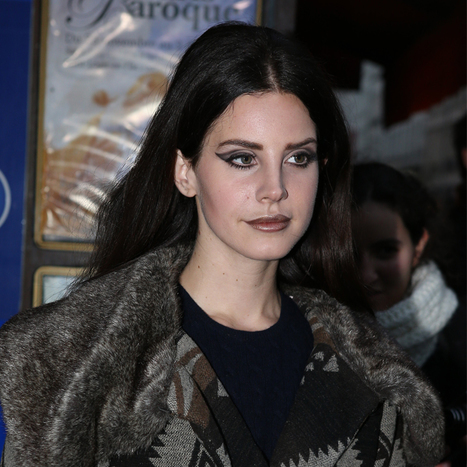 Lana Del Rey et son look gothique chic - Beauté - Plurielles.fr | Lana del Rey | Scoop.it