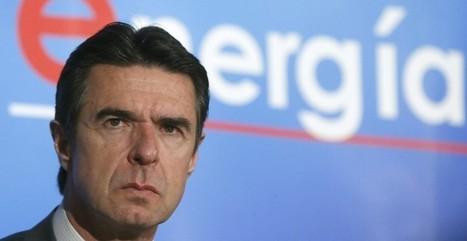 Soria planta al sector eólico y al embajador de EEUU para evitar un 'linchamiento' por el hachazo renovable | La clave está en la red | Scoop.it