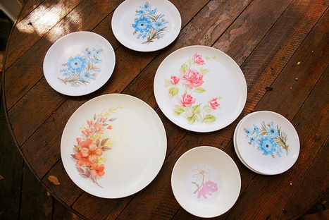 Thrift Store Score Collections: Vintage Picnic Plates | Antiques & Vintage Collectibles | Scoop.it