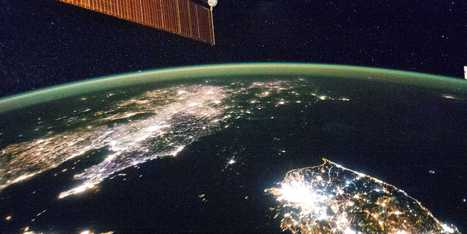 Now, Anyone On Earth Can See A View Of Our Planet From Space In Real Time | #ensw diversions - questionably relevant, edgy fodder to brighten your enterprise slog | Scoop.it