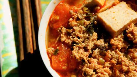 Pork, crab and noodle soup (bun rieu) | Food | Scoop.it