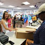 De grandes entreprises incitent leurs consommateurs à commander en ligne...mais acheter en magasin | Site web | PME | Scoop.it
