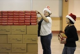 Volunteers pitch in to get ready for Empty Stocking distribution » Knoxville News Sentinel Mobile | Tennessee Libraries | Scoop.it