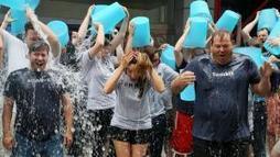 Maladie de Charcot : un an après, retour sur le succès de l'Ice bucket challenge | Aidants familiaux | Scoop.it
