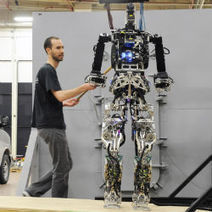 Firefighting Robot Prepares To Walk Through Flames : DNews | Robotics Frontiers | Scoop.it