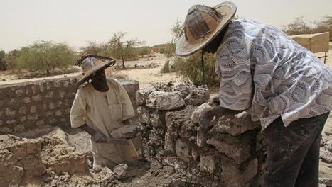 Reconstruire les mausolées de Tombouctou, un message aux jihadistes - Afrique - RFI | Voir et prier | Scoop.it