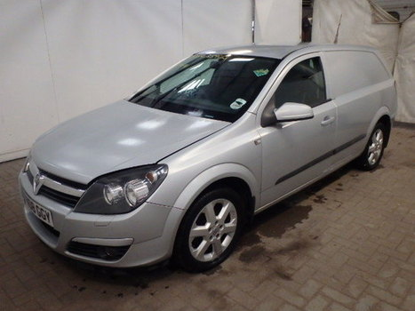 Salvage 2008 white Vauxhall Astra Club with VIN W0L0AHL7088 on auction   cars   Scoop.it