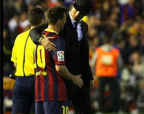 Cristiano Ronaldo consoles Lionel Messi after the Copa del Rey final | Adamastor | Scoop.it