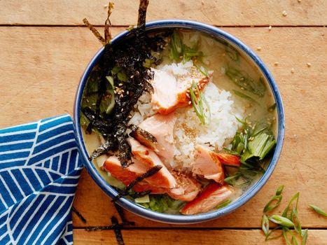 Glazed Salmon Miso Soup Rice Bowl   Healthy Truckers   Scoop.it