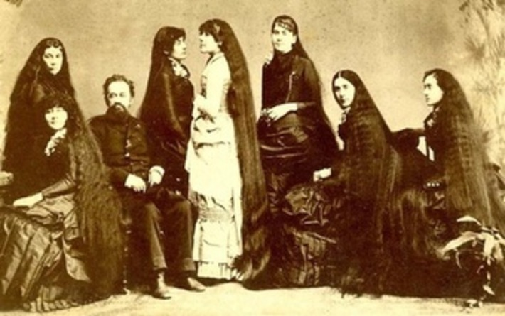 Untangling the Tale of the Seven Sutherland Sisters and Their 37 Feet of Hair | Antiques & Vintage Collectibles | Scoop.it
