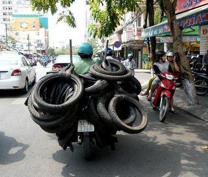 Un transport de pneus à Ho Chi Minh Ville au Vietnam | Vivre au Vietnam | Scoop.it