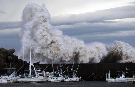 Vidéo : le Japon frappé par des vagues gigantesques et des pluies torrentielles.   All Boats Avenue   Nautisme et Plaisance   Scoop.it