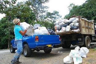 Llamado de alerta a viajeros a Calima por contaminación del Bosque de Yotoco - diario El Pais   Ecología   Scoop.it