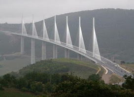 Le viaduct de Millau - A2 | beaux sites et villages de France - France nicest villages and sites | Scoop.it
