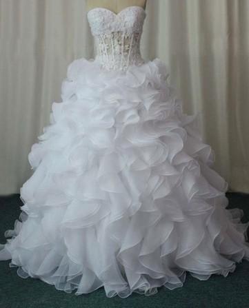 Magnifique robe de mariée pas cher avec bustier corset et jupon 2012 ...