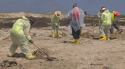 Oil spill clean-up: Ten tons removed from Matagorda Island - KHOU | Oil Spill | Scoop.it