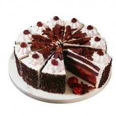 1 Kg Black forest round Cake with cherries | Trendy Dresses | Scoop.it