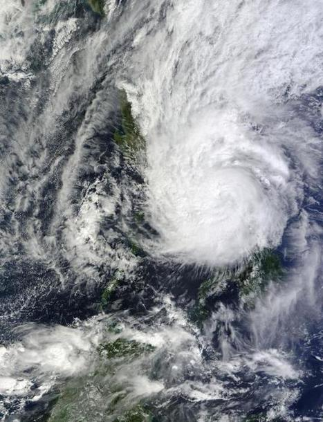 Typhoon tears down homes in disaster-weary Philippines - Daily Mail | Command and Control | Scoop.it