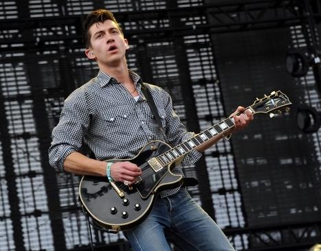 Arctic Monkeys make chart history as AM hits No. 1 in UK albums chart - Metro   Euro Chart Bites Magazine   Scoop.it