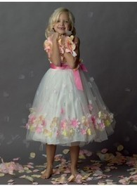 The sweet and cute flower girl dresses | Bridesmaid Dresses 2014,Wedding Dresses 2014, the discount prom dress,cocktail dress, inexpensive formal dress, homecoming dress, at mumubridal.com | Scoop.it