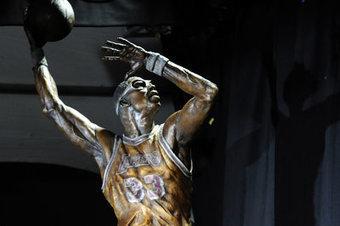 Kobe Bryant will catch Michael Jordan, and maybe Karl and Kareem ...   Michael Jordan   Scoop.it