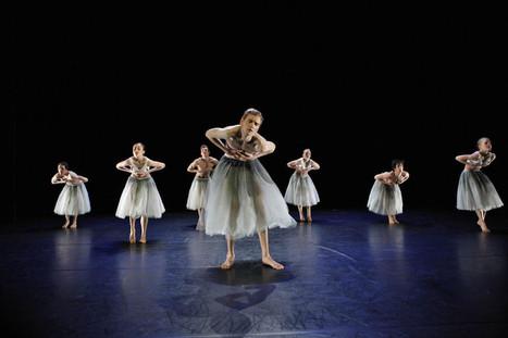 Ballet Blanc van DeDDDD vol originaliteit | dans in theaters | Scoop.it
