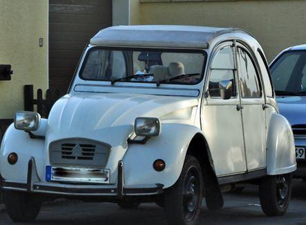 Im Citroën 2CV mit 16 PS ans Mittelmeer - Ulla Schauerte - The MEMORO Project | MemoroGermany | Scoop.it