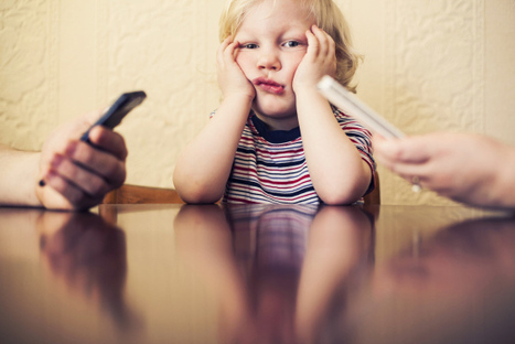 Here's why you might rethink using your smartphone in front of the kids | TIME | Parenting | Scoop.it