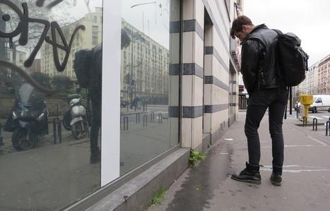 Paris : Excédé, il propose à la Mairie de recouvrir les murs d'une peinture qui renvoie l'urine - 20 Minutes | Actualités écologie | Scoop.it