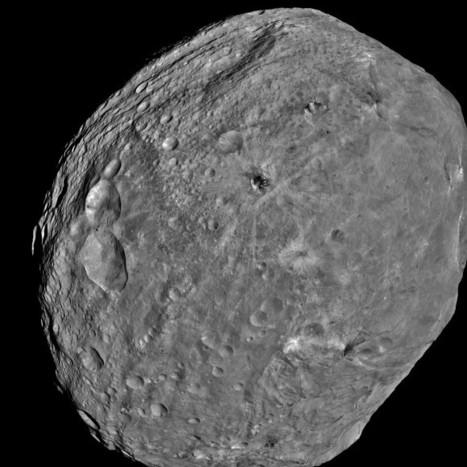 3 D Alien Snowman Graces Vesta | Planets, Stars, rockets and Space | Scoop.it
