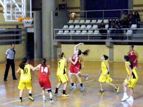 CD Ramón y Cajal UGR se lleva el encuentro ante Tomates Casi y se queda como líder en solitario del EA - Federación Andaluza de Baloncesto | Basket-2 | Scoop.it