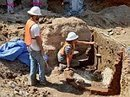 Archaeologists dig up toilets, find 87,000 Revolutionary artifacts | Archaeology | Scoop.it