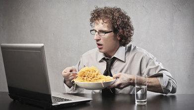7 κίνδυνοι για την υγεία που παραμονεύουν στο γραφείο σας | | ΚΙΝΔΥΝΟΙ ΥΓΕΙΑΣ | Scoop.it