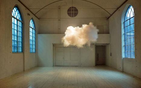 Artist Creates Real Clouds Indoors [PICS]   Cuistot des Médias Sociaux   Scoop.it