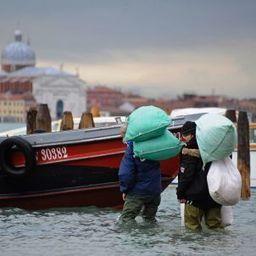 Sinking Feeling: Venice's Eternal Battle against Water - SPIEGEL ONLINE | Venice | Scoop.it