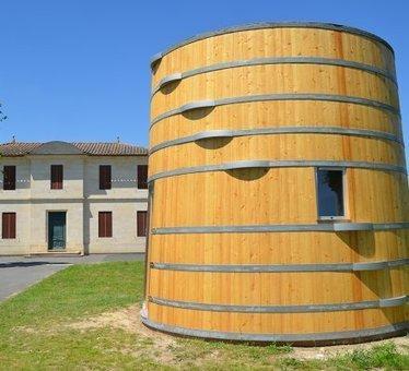 Saint-Emilion : chambres d'hôtes, l'oenotourisme en fait des tonneaux - Vitisphere.com   dordogne - perigord   Scoop.it