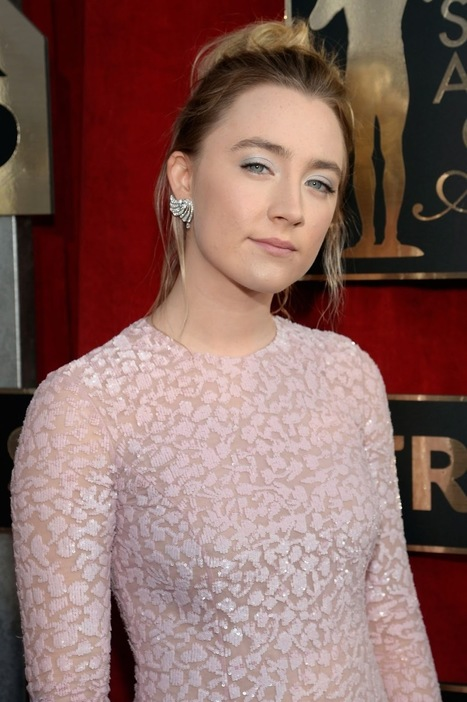 SAG Awards 2016: Saoirse Ronan in Pink at Screen actors Guild Awards in Los Angeles | Showbiz | Scoop.it