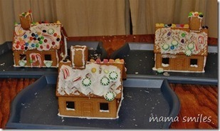 Tips and Tricks for decorating Gingerbread Houses with Kids | Simple Christmas | Scoop.it