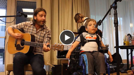 Gravement handicapé, cet enfant chante ''Ho Hey'' des Lumineers avec l'aide de son prof de musique | Handirect - Le média des situations handicapantes | Scoop.it